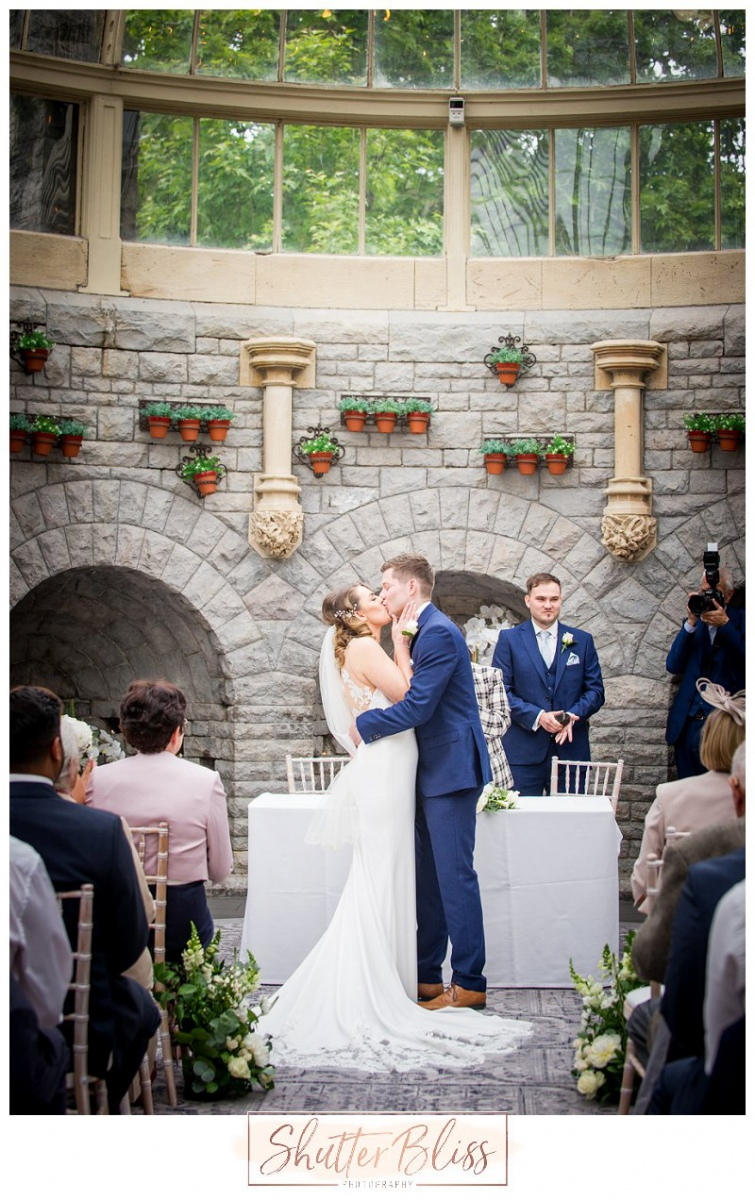 Tortworth-Court-Wedding-Photographer-SME09